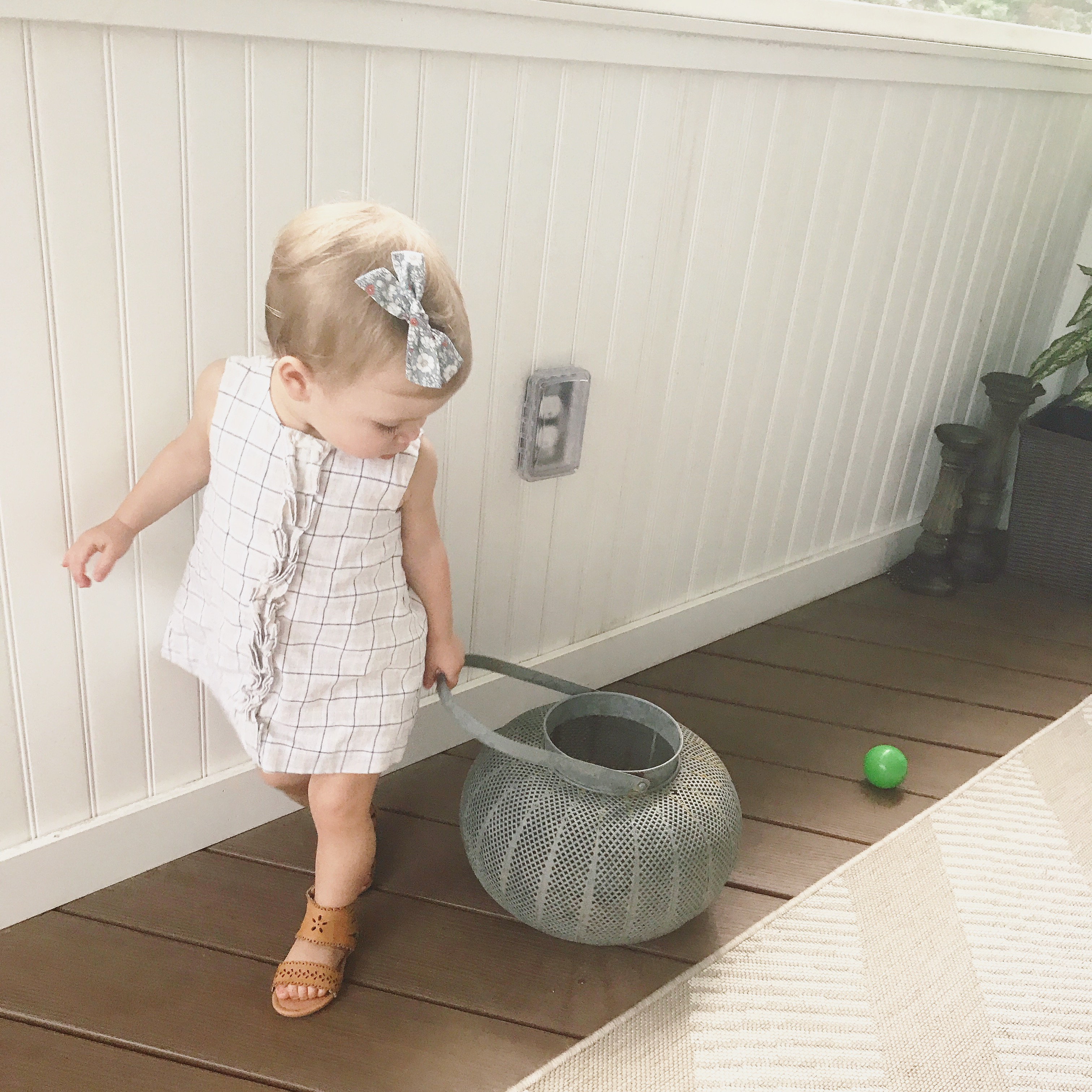 August little poppy bow